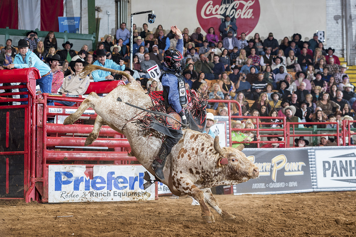 Cole Melancon on Chaos Ghost (Melton Bull Co.) in the four-man Shoot Out round at the Tuff Hedeman Fort Worth Challenge.