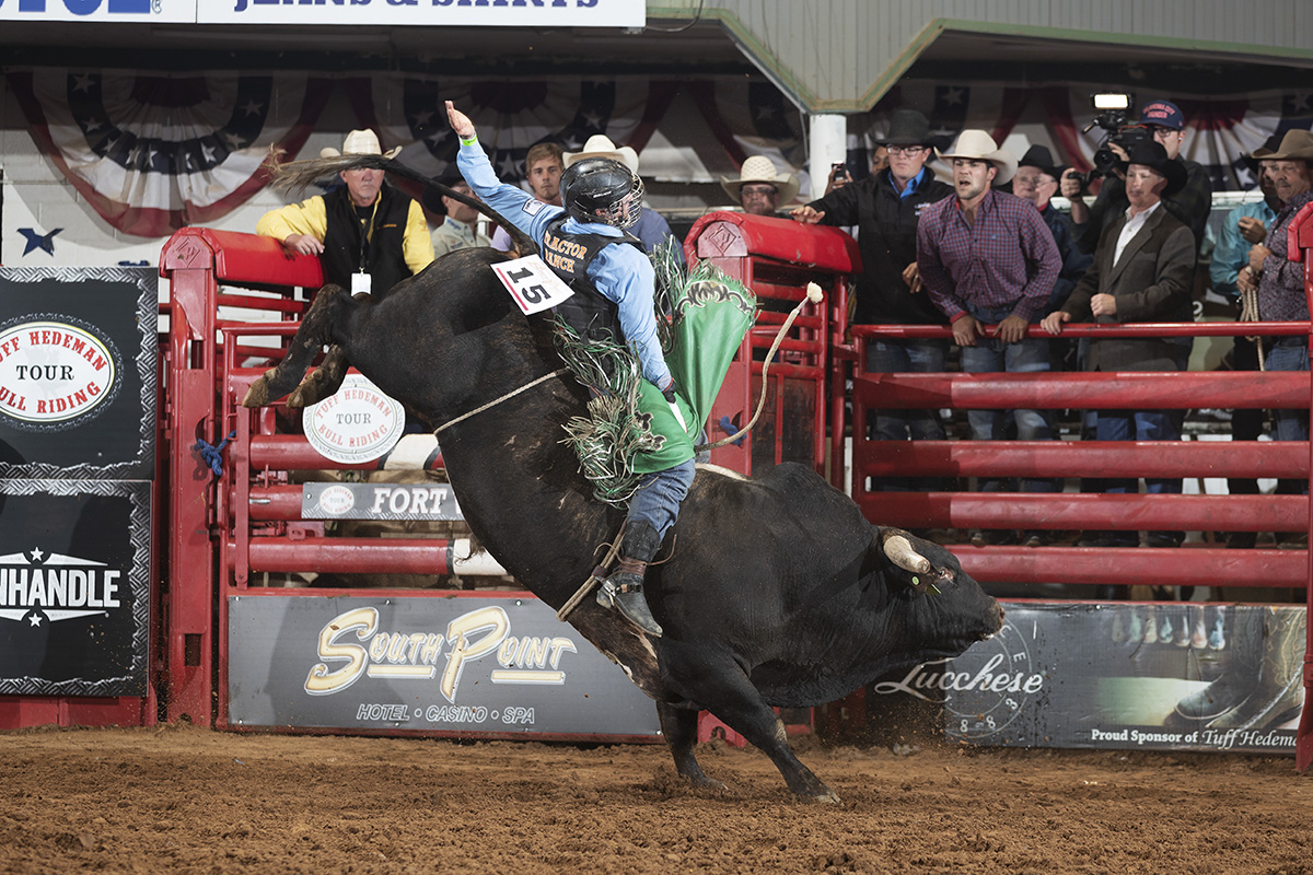Askey on 3381 Wet Willey at the Forth Worth Tuff Hedeman Bull Riding.
