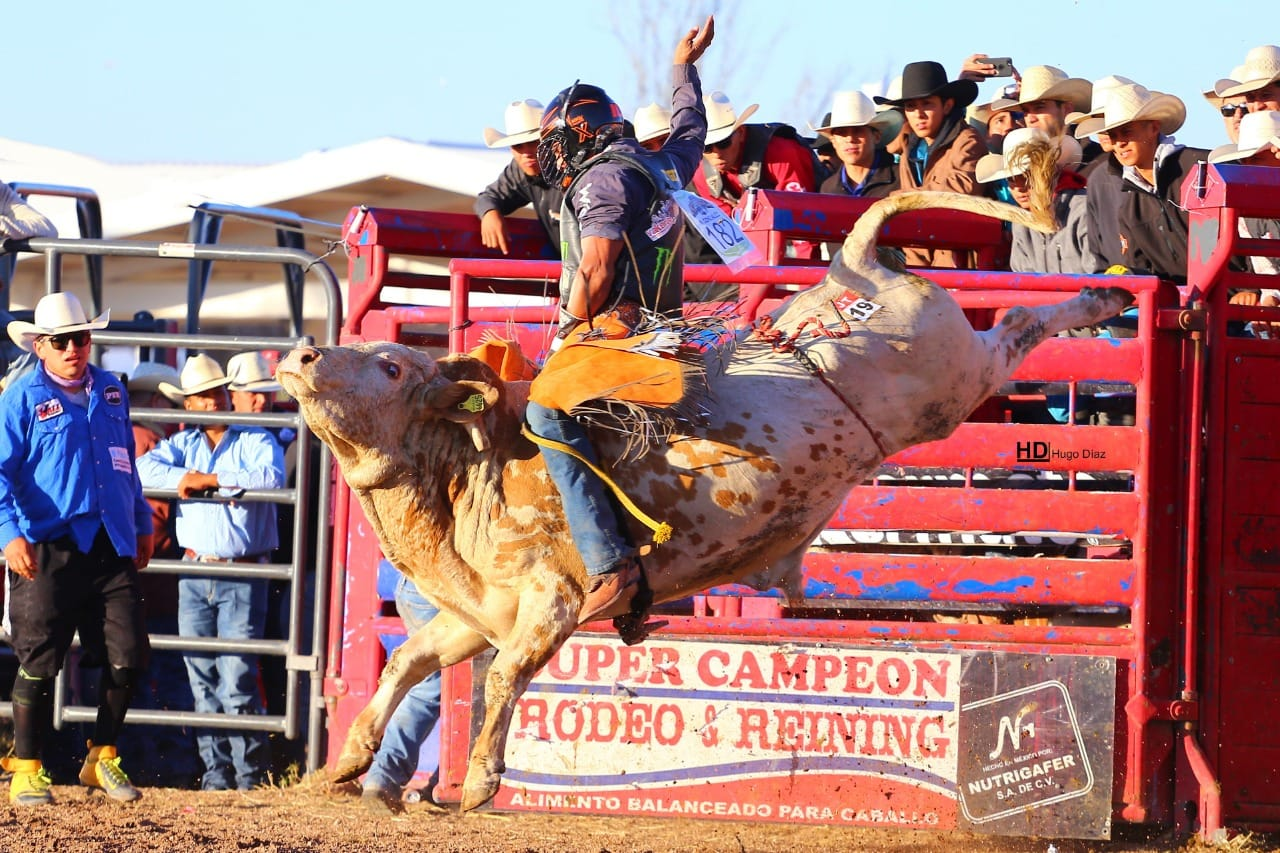 "Hedeman invites Ricardo Gonzalez, aka ""Tiger"" of Chihuahua to compete at the Casa Ford THBRT in El Paso, Texas"
