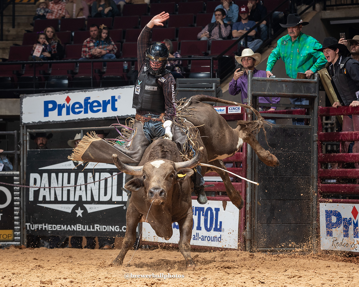 2-Time NFR qualifier and 2017 PRCA Resistol Rookie of the Year set to compete at the South Point on Saturday night.