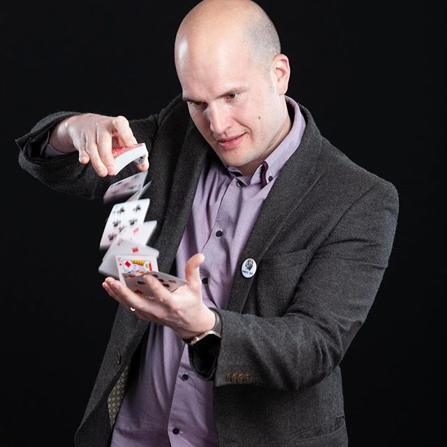 As well as being a #hypnotherapist I'm also a #Magician in my spare time.  Who else likes Magic?  #magic #magicalpowers #hobby #fun #entertainment #instatherapy #mondaymotivation #love #work #play #entrepreneur #entrepreneurship #businessman