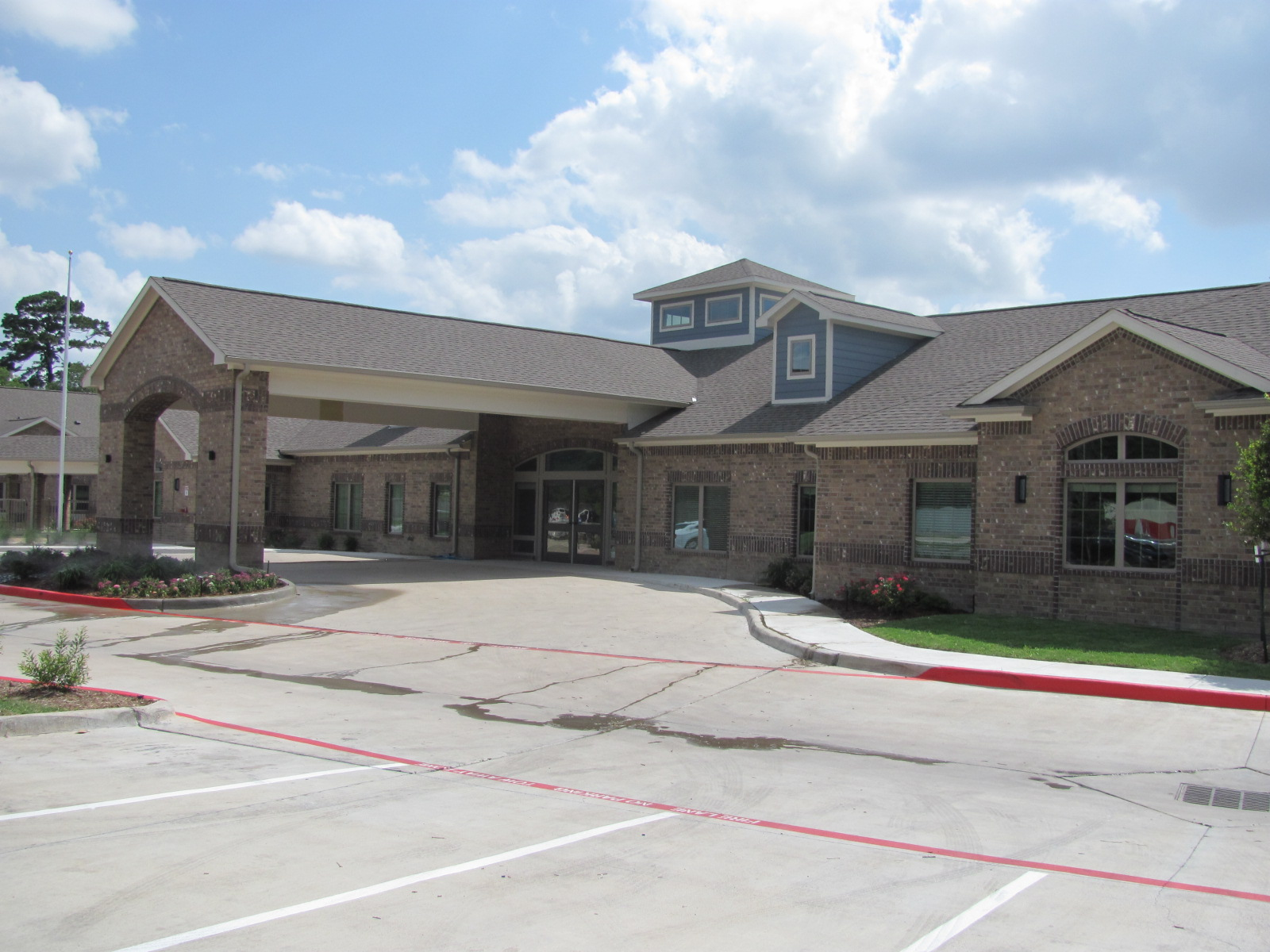 Highland Park Nursing Care & Rehab_Main entry.JPG