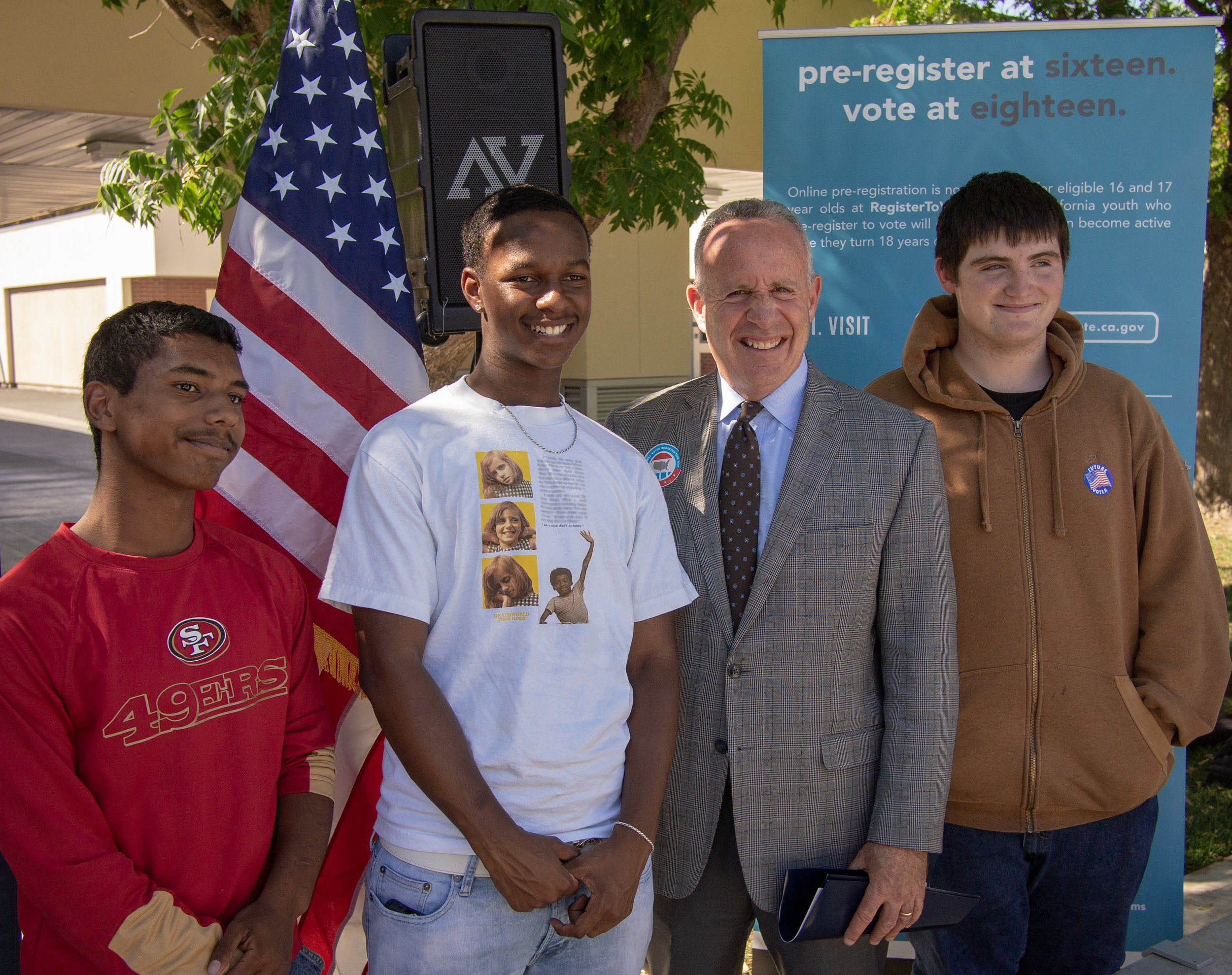 Mayor Steinberg + students from LGA