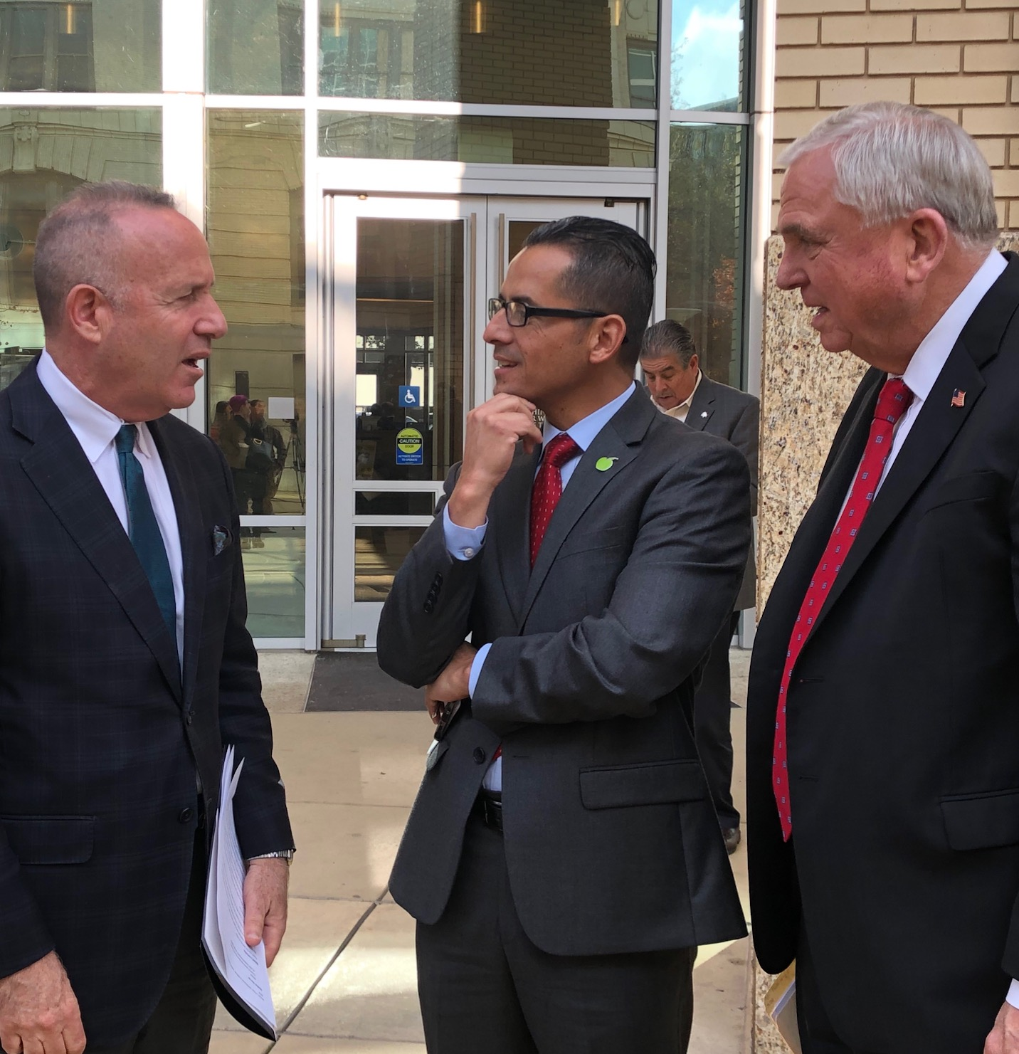 Mayor Darrell Steinberg (left), with Jorge Aguilar, superintendent of the Sacramento City Unified School District, and Sacramento County Office of Education Superintendent David Gordon.