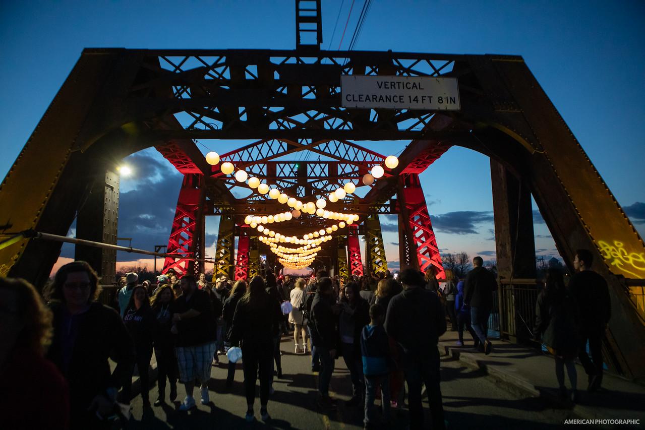 lanterns on bridge .JPG