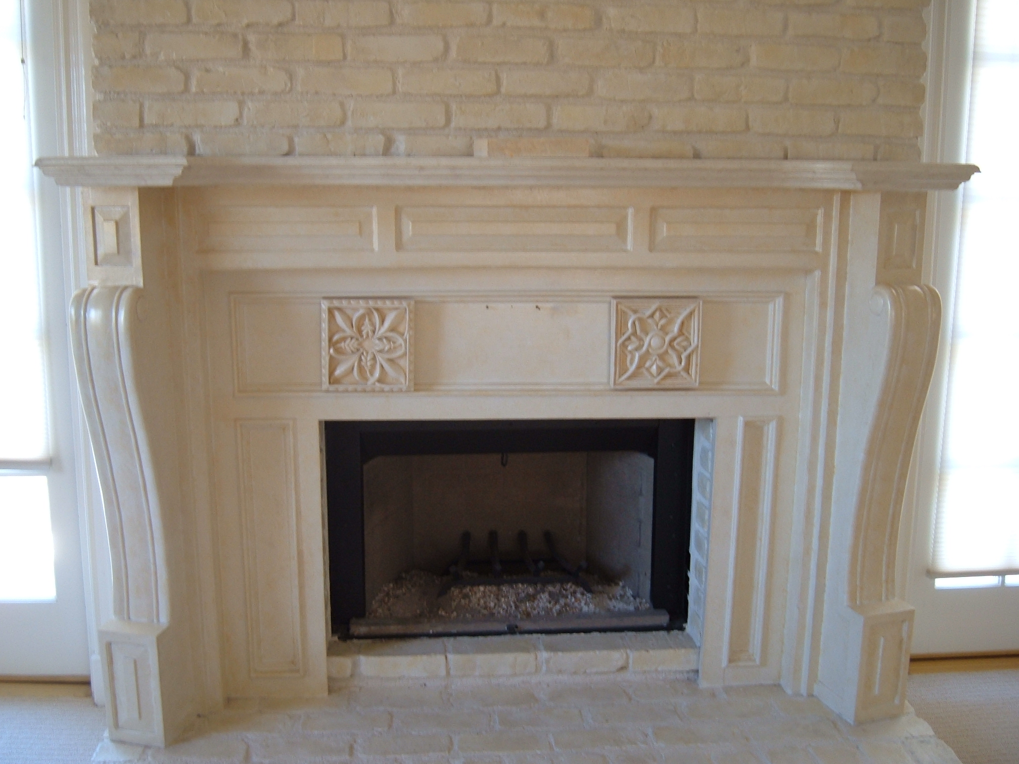georgia_s_fireplace_before.jpg