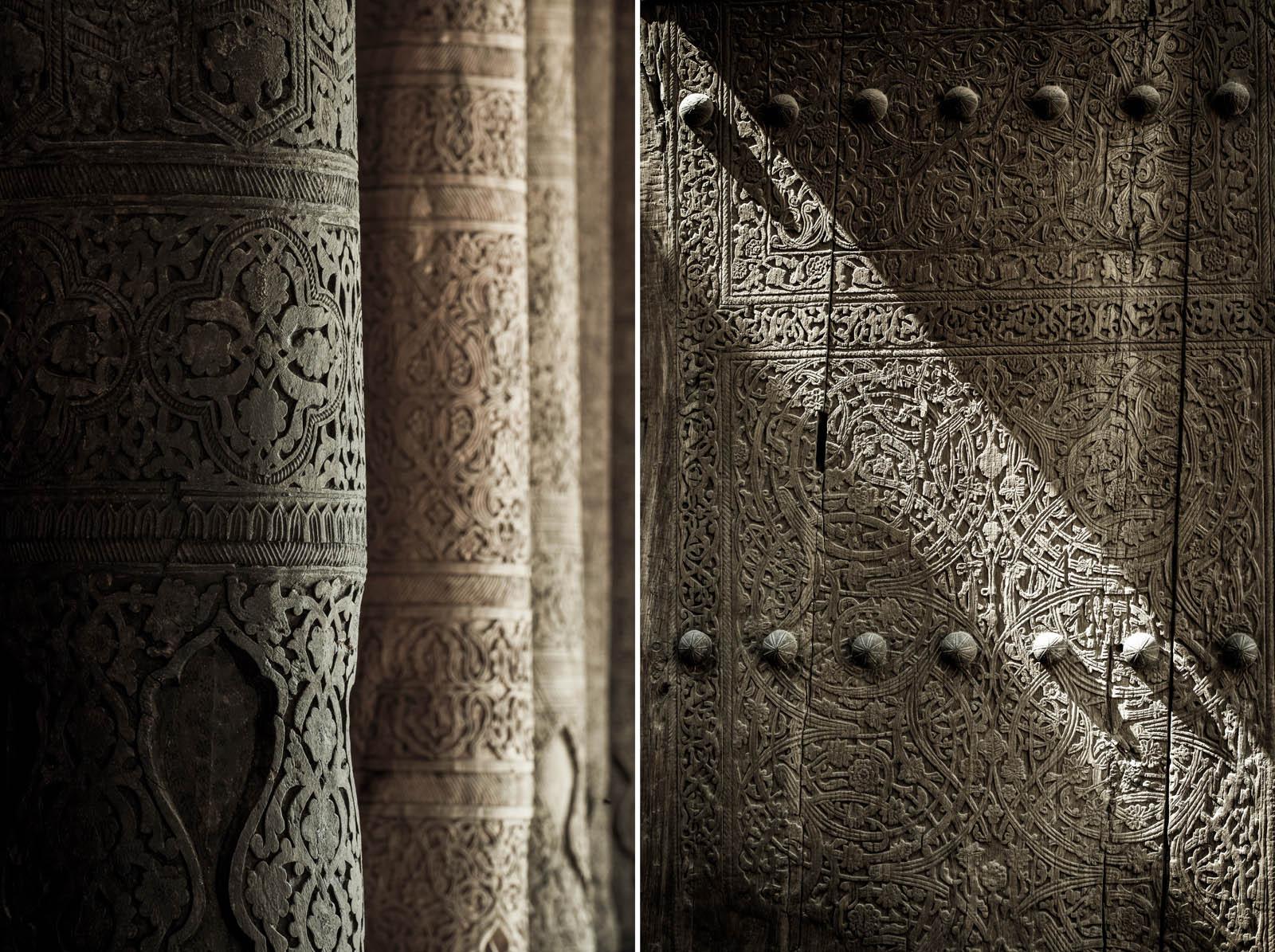 Mezquita Juma, Jiva. De arquitectura árabe, y a diferencia de las otras mezquitas, ésta tiene un techo sostenido por 213 columnas de madera tallada. Foto © Ezequiel Scagnetti.
