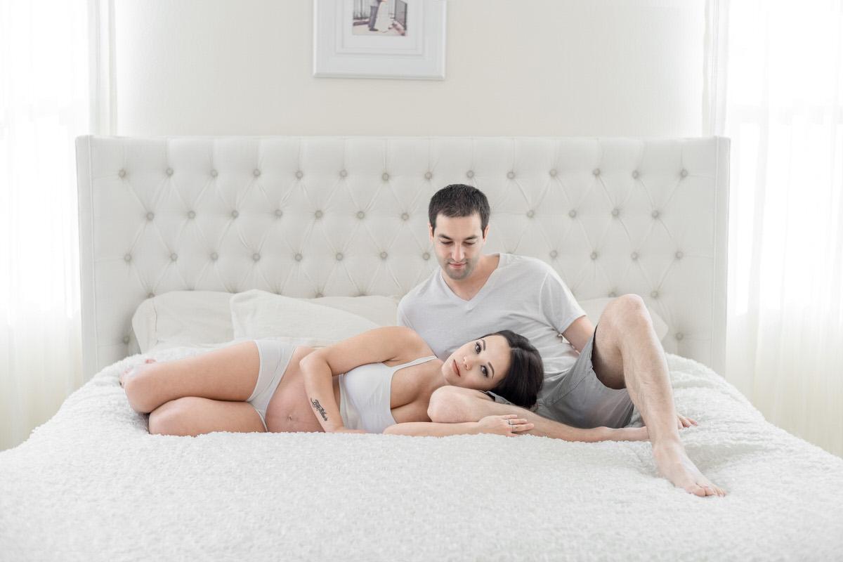 Crissy + Ryan Maternity Boudoir in OC by Jaclyn Le