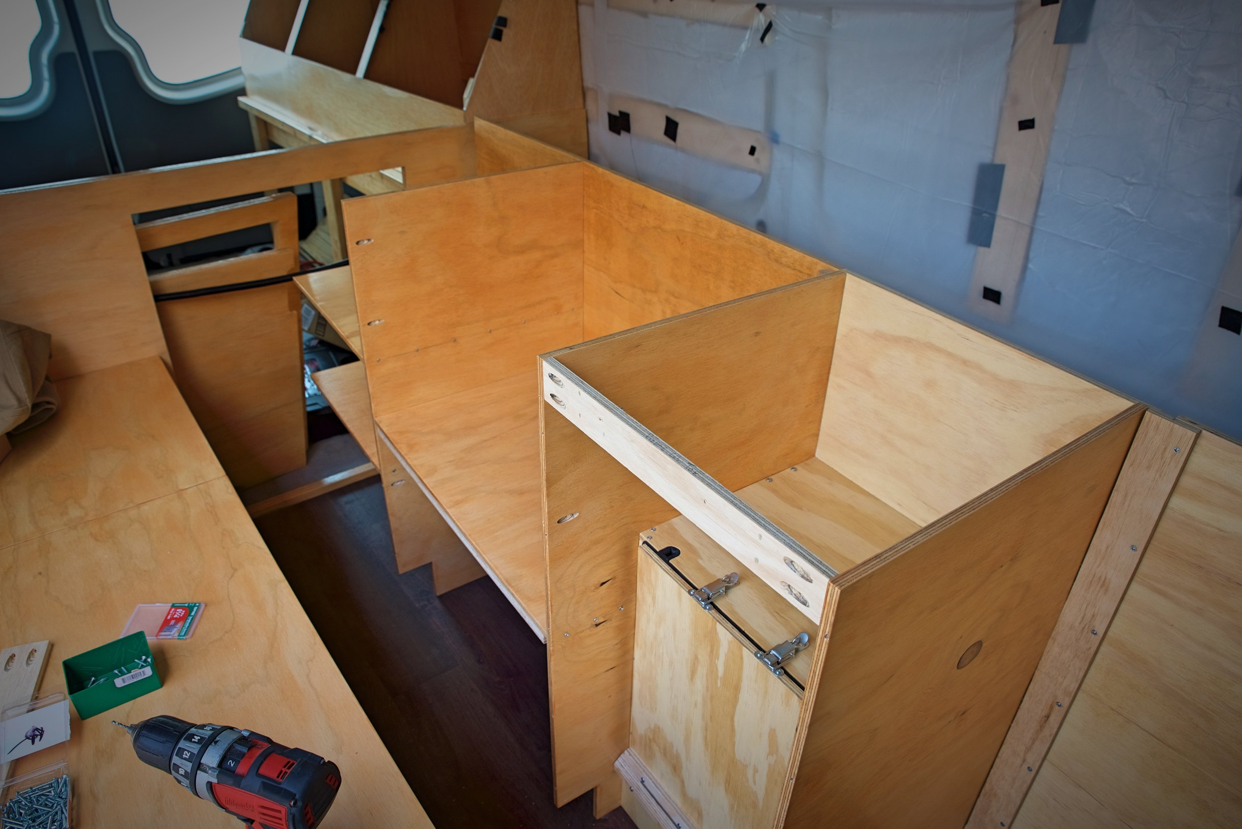 In this photo you can see how the cabinets were connected using a brace that joins the backs of the two cases.