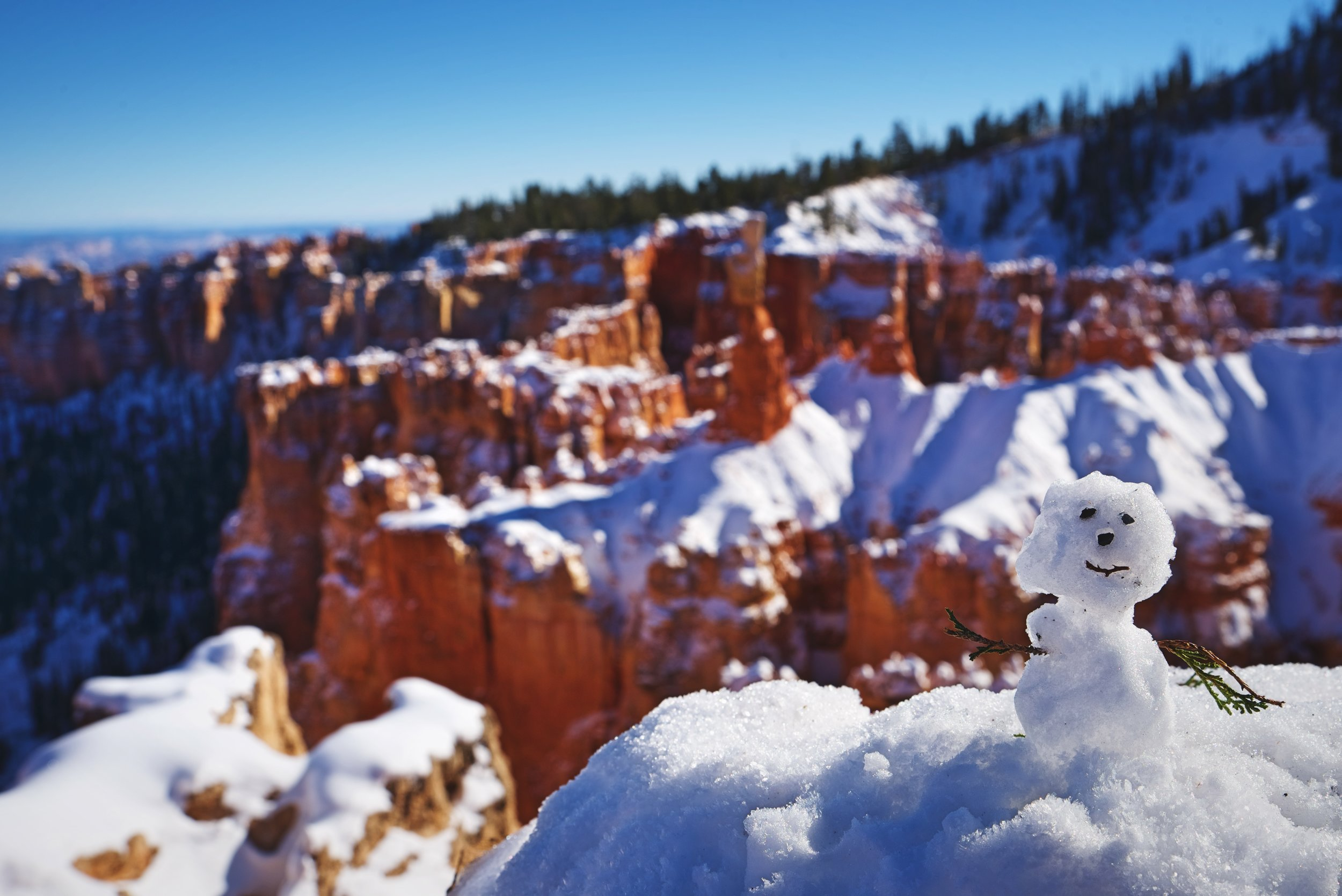 We noticed this cute little snowman sitting on the ledge of Agua Canyon. Winter is a wonderful time to visit Bryce Canyon National Park.