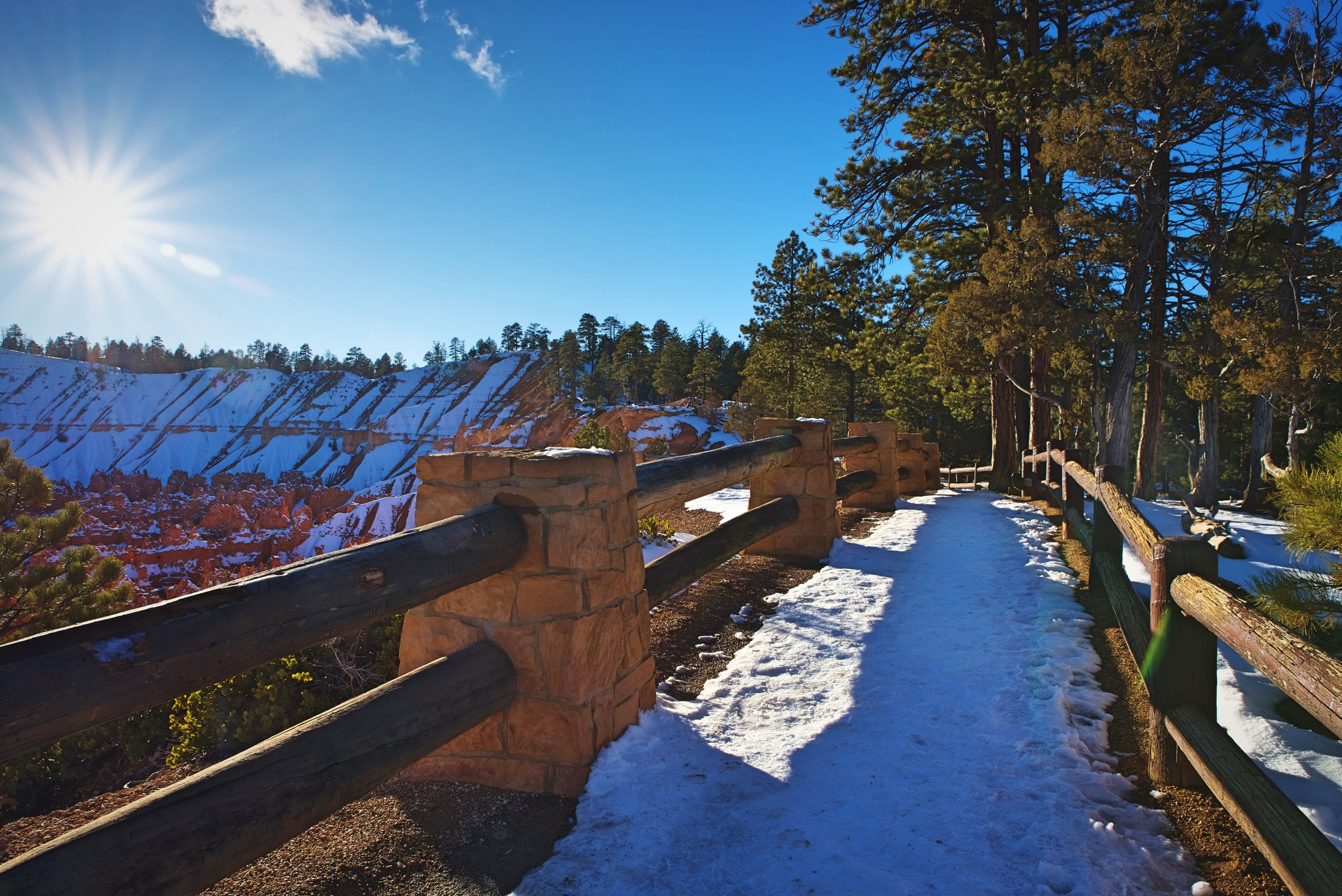 If you're looking for an easier walk, you can walk the accessible trail along the rim between Inspiration Point, Sunset Point, and Sunrise Point.