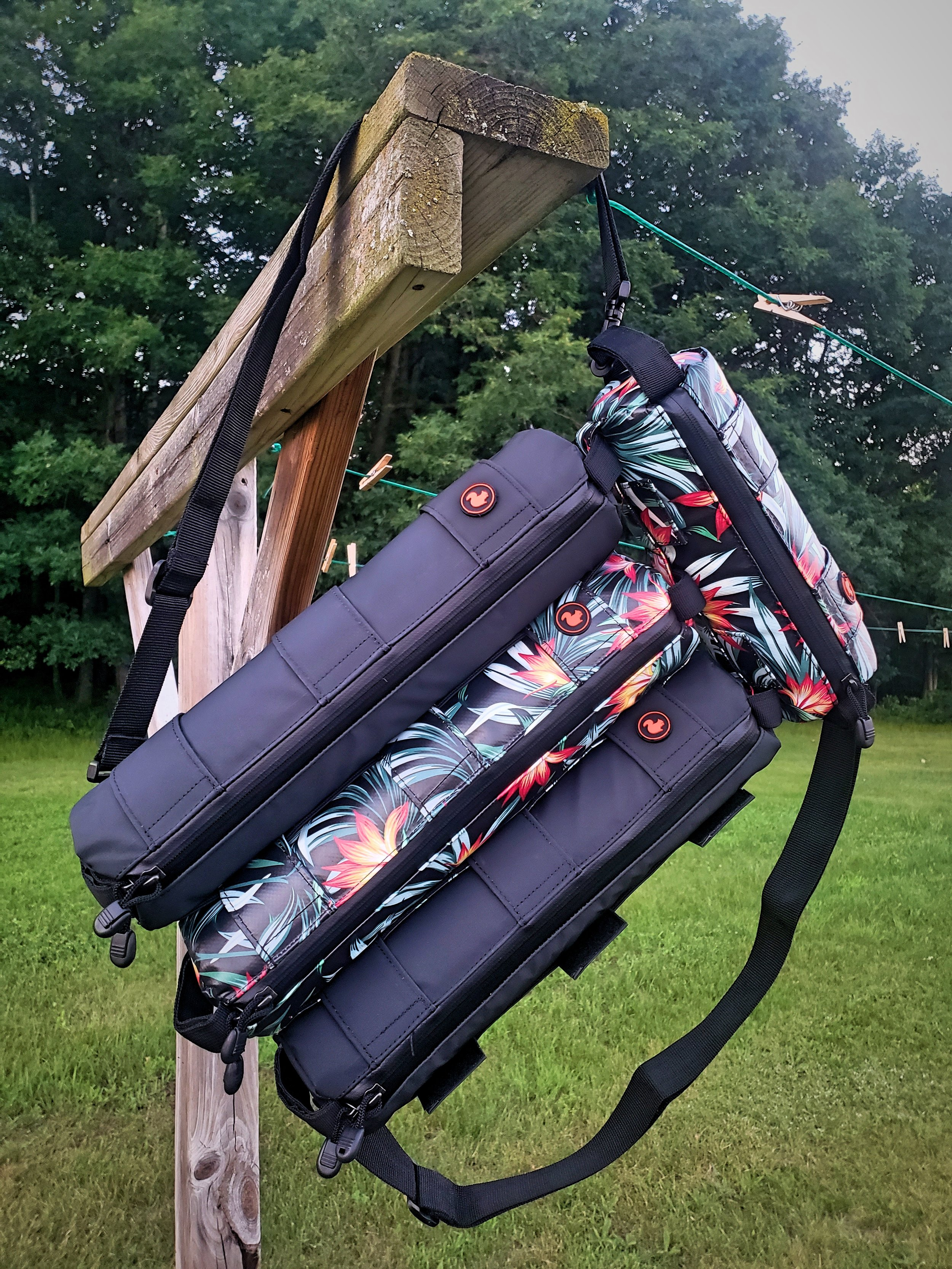 We really like the modular design of the STASHERS bike bags, we can connect them into a backpack to take our valuables inside places with us.