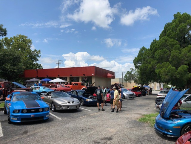 It was a great turnout today at the Car Cruise & Car Show we had on our location.
