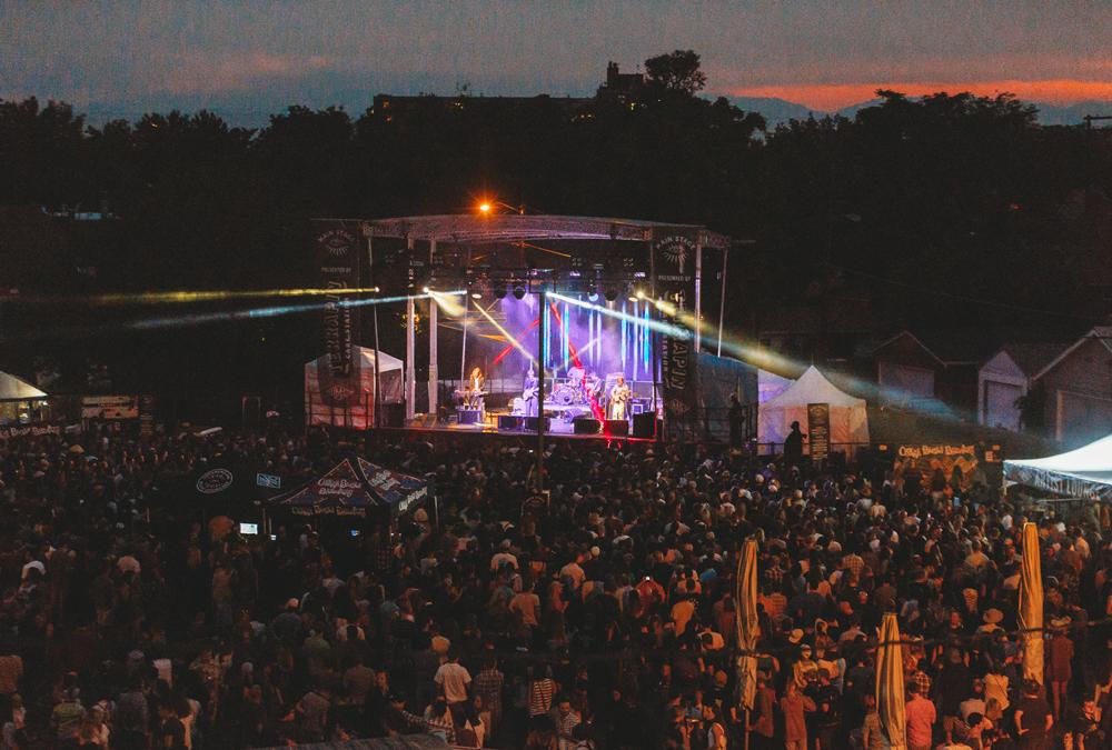 Saturday_Main-Stage_Deerhunter_Nikki-A.-Rae-2_web.jpg