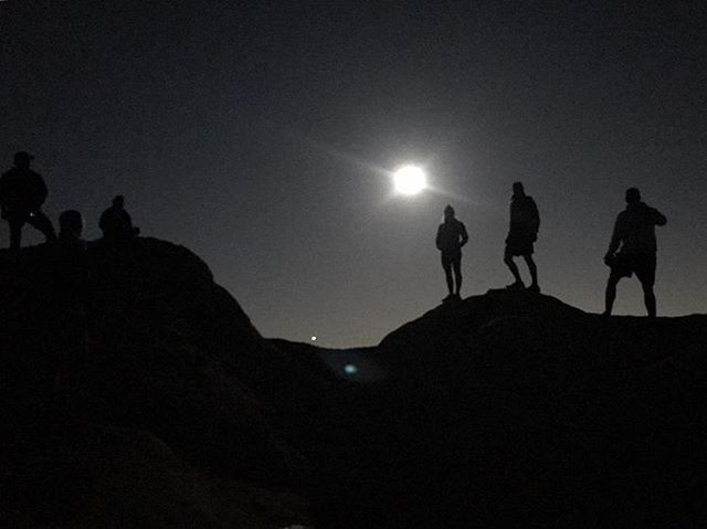 Super Moon on Eagle Rock.  Full moon trail runs are awesome!  There wasn't any wind.  You didn't feel the cold.  You could run all night.  It was bright enough to cast clear shadows.  You didn't need a light. I'm doing this every month!! . . . #supermoon #trailrun #ultrarunning #moonlight #silhouette #topanga #toughtopanga #10k #bulldogultra #trailrunninglife #outside #everyday