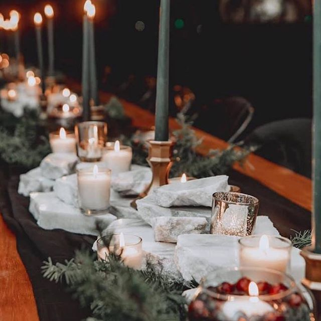 MOOD. 💚 @frankiebeaevents slays the tablescape yet again!
