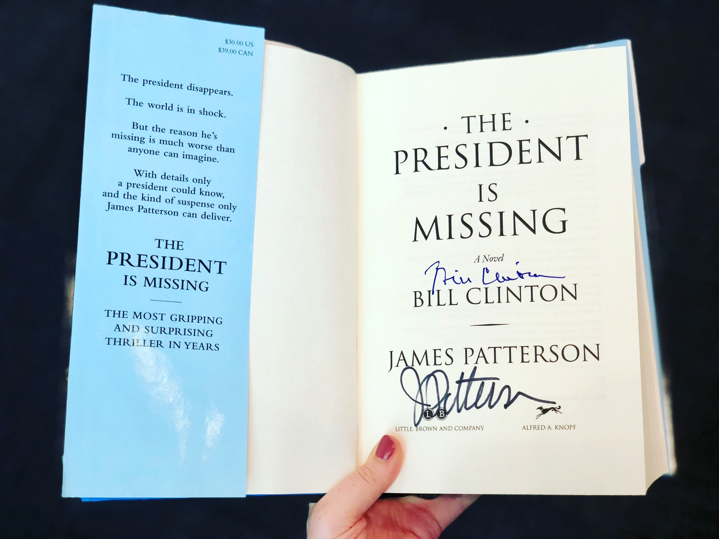 bookcon-2018-the-presidentis-missing-signed.jpg