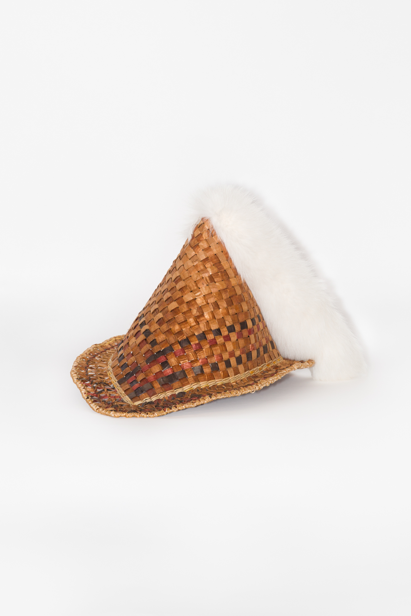 Tuhong (Chamoru fishing hat) (alternate view)