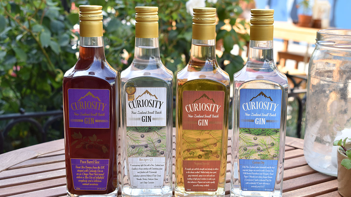 CURIOSITY GIN - Small-batch gin crafted in Canterbury.