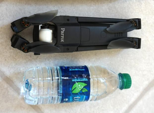 Just slightly larger than a water bottle the Anafi is very compact and light.