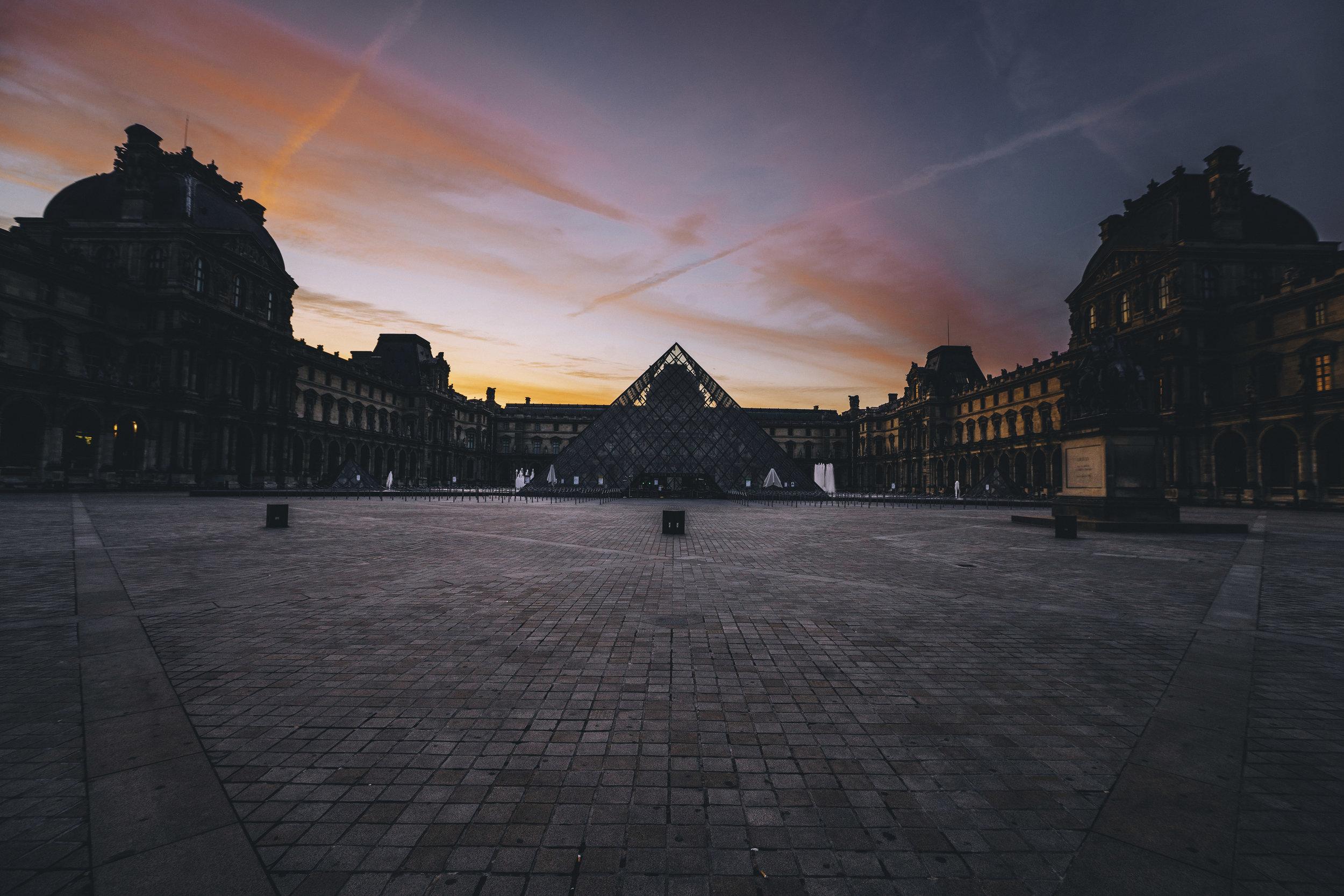 Lourve Sunrise Landscape - Paris.jpg