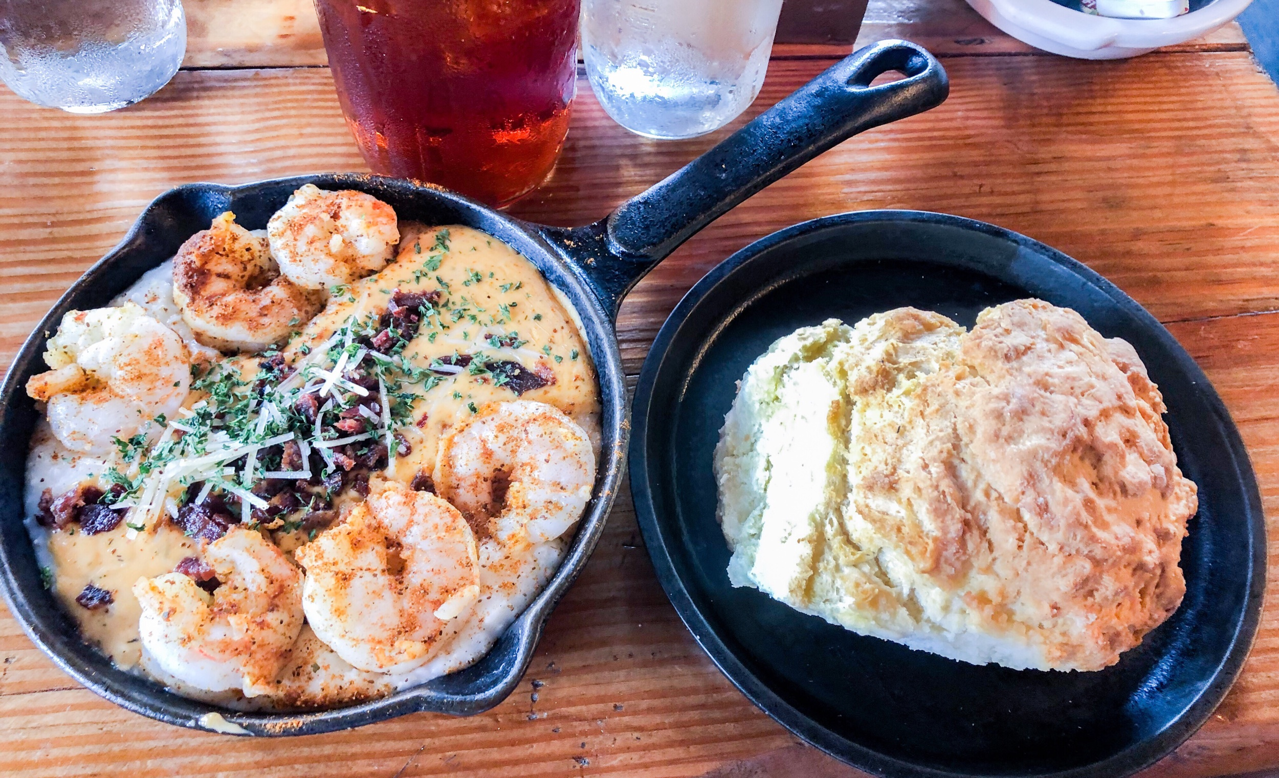 shrimp-and-grits-two-cracked-eggs.jpeg