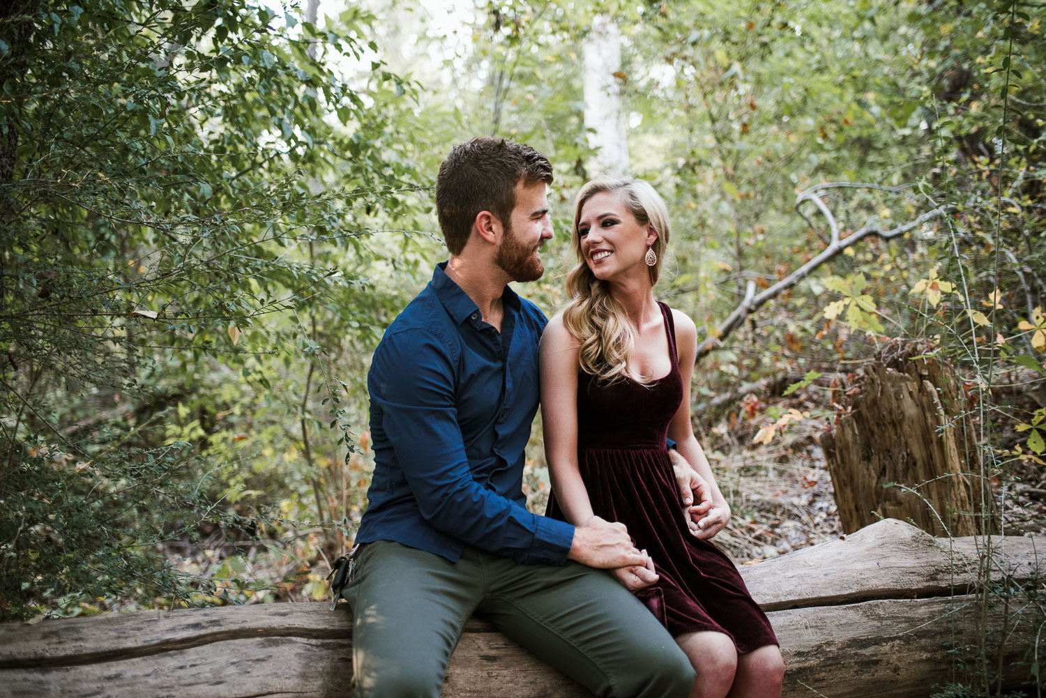 josh - lindsey - engagement - photos - alrington - texas - river - legacy - park-1.jpg