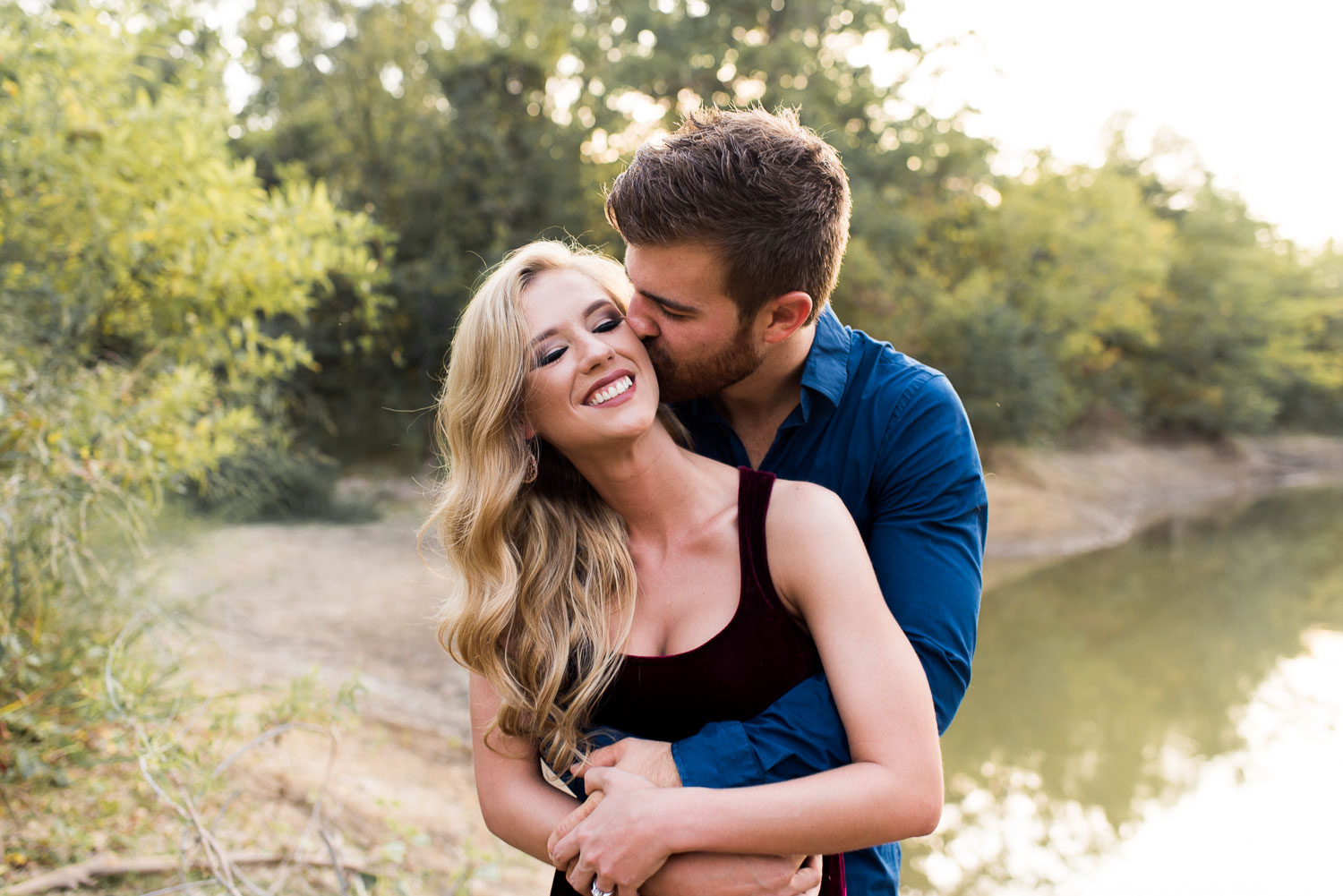 josh - lindsey - engagement - photos - alrington - texas - river - legacy - park-9.jpg