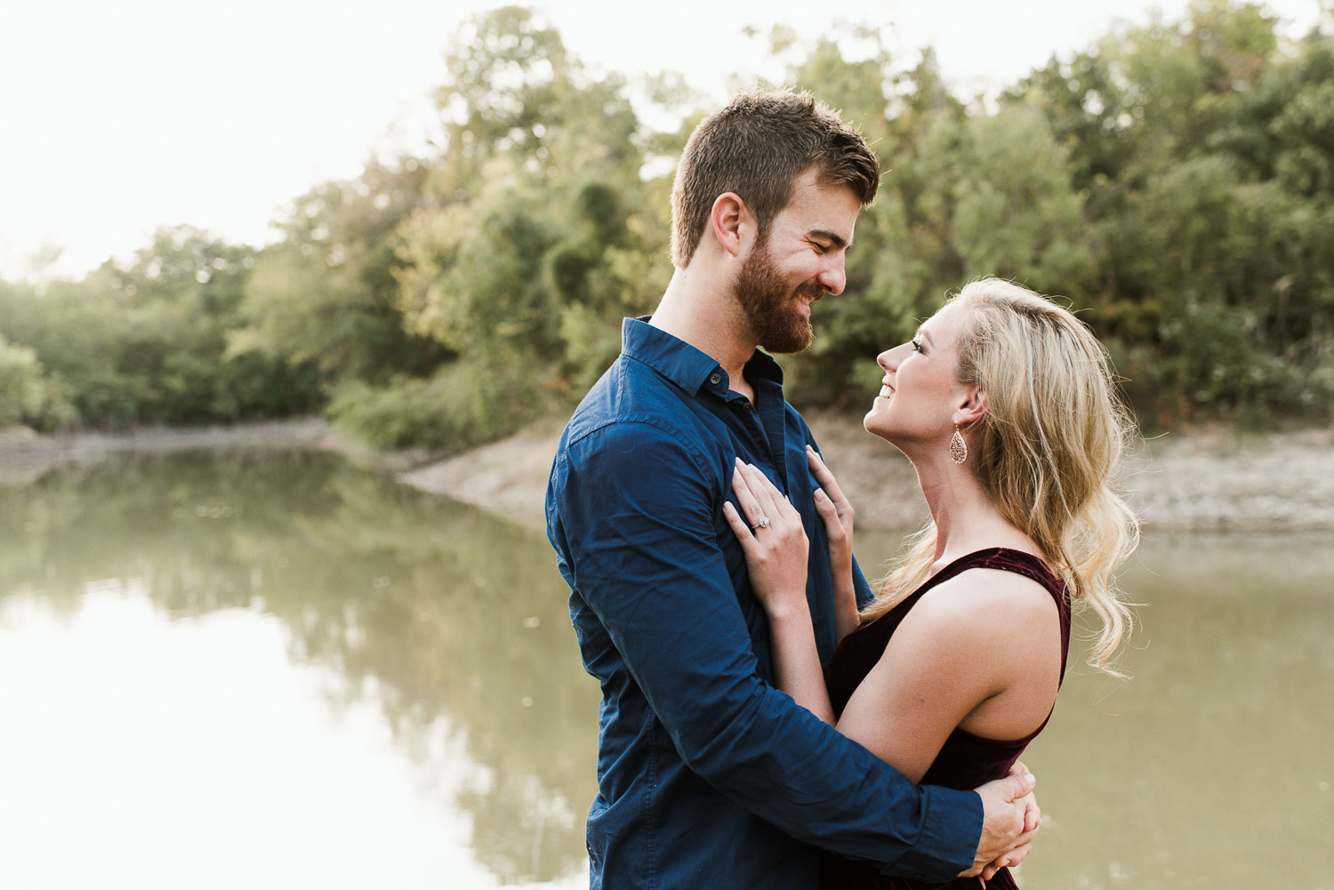 josh - lindsey - engagement - photos - alrington - texas - river - legacy - park-11.jpg