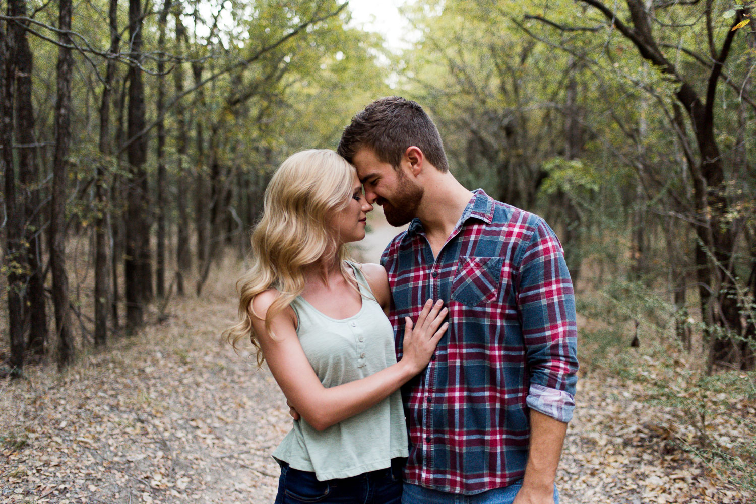 josh - lindsey - engagement - photos - alrington - texas - river - legacy - park-24.jpg
