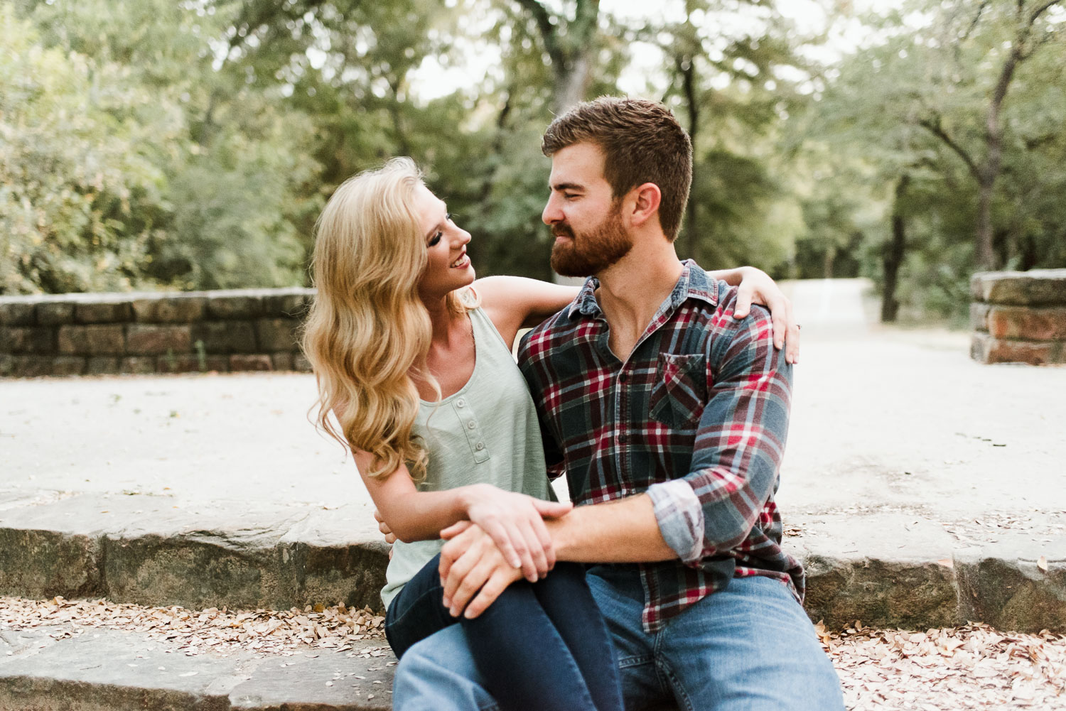 josh - lindsey - engagement - photos - alrington - texas - river - legacy - park-26.jpg