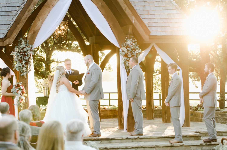 classic-oaks-ranch-mansfield-wedding-kaitlin-chris-17.jpg