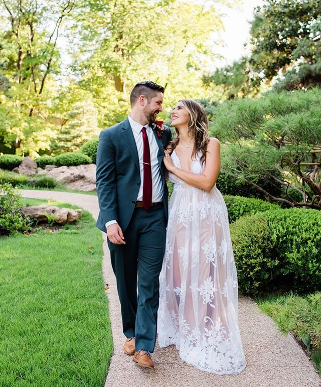 Loved everything about this short and sweet little ceremony, including the couple! Relaxed, fun and focused on lots of portraits. Just my style😎  Ashley + Tyler  9.9.19