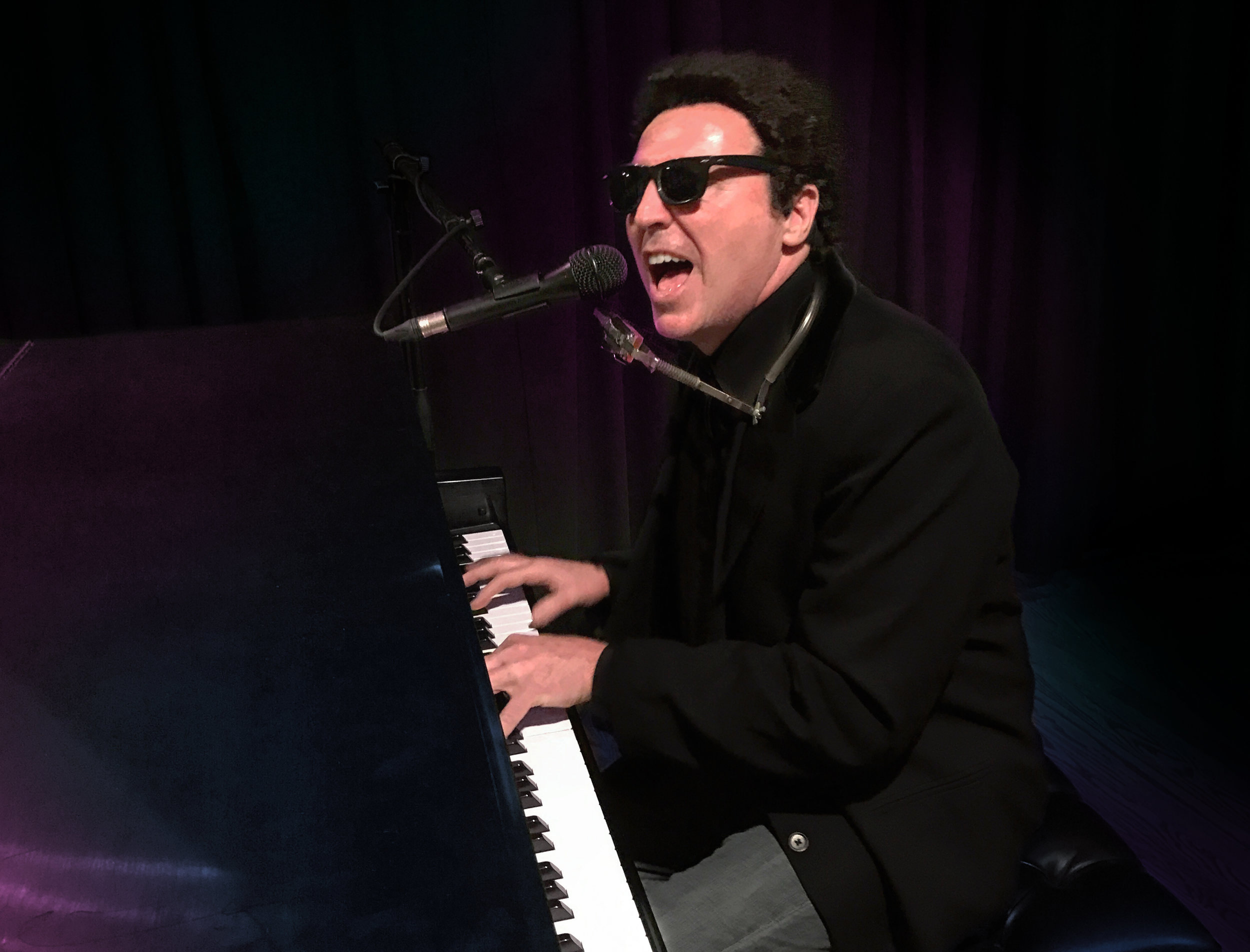 Brian Mahoney as Billy Joel