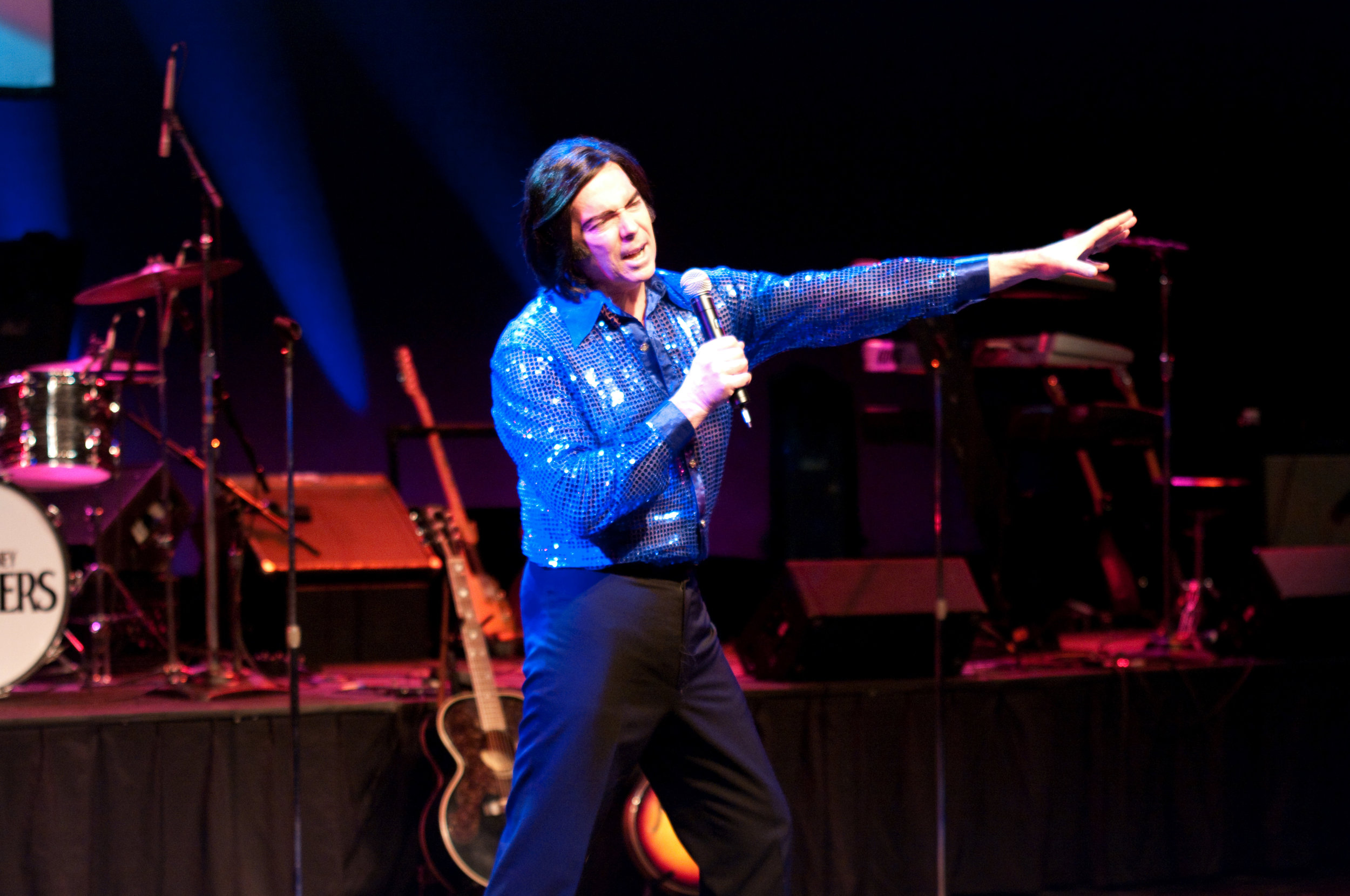Tim Mahoney as Neil Diamond