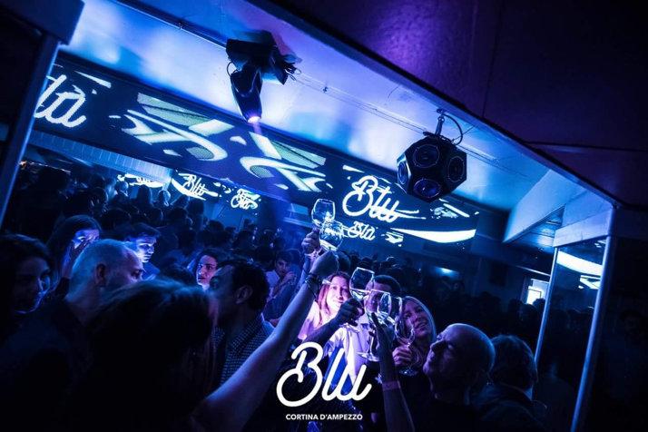 blu-cortina-dodicifacce-02.jpg