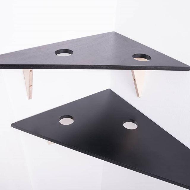Baldas que te miran 😊 Staring shelves www.riotwood.com Pic by @martatowerphotostudio @comcosy #riotwood #comcosy #woodworking #handmadeforniture #desing  #woodshop #carpentry #madera #madriddesign #table #spanishdesign #mobiliario