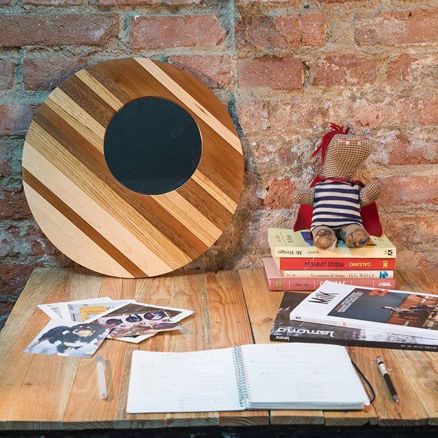 Nos encanta mezclar maderas de diversos tonos y componer piezas únicas para tus espacios! . . . . www.riotwood.com Pic by @martatower_estudiofotografico #riotwood @comcosy #comcosy #woodworking #enmarcaciones  #customframe #shop #marcos #enmarcacion #decoracion #walldecoration #cozy #customframe #madrid #madera #craftsmenunited