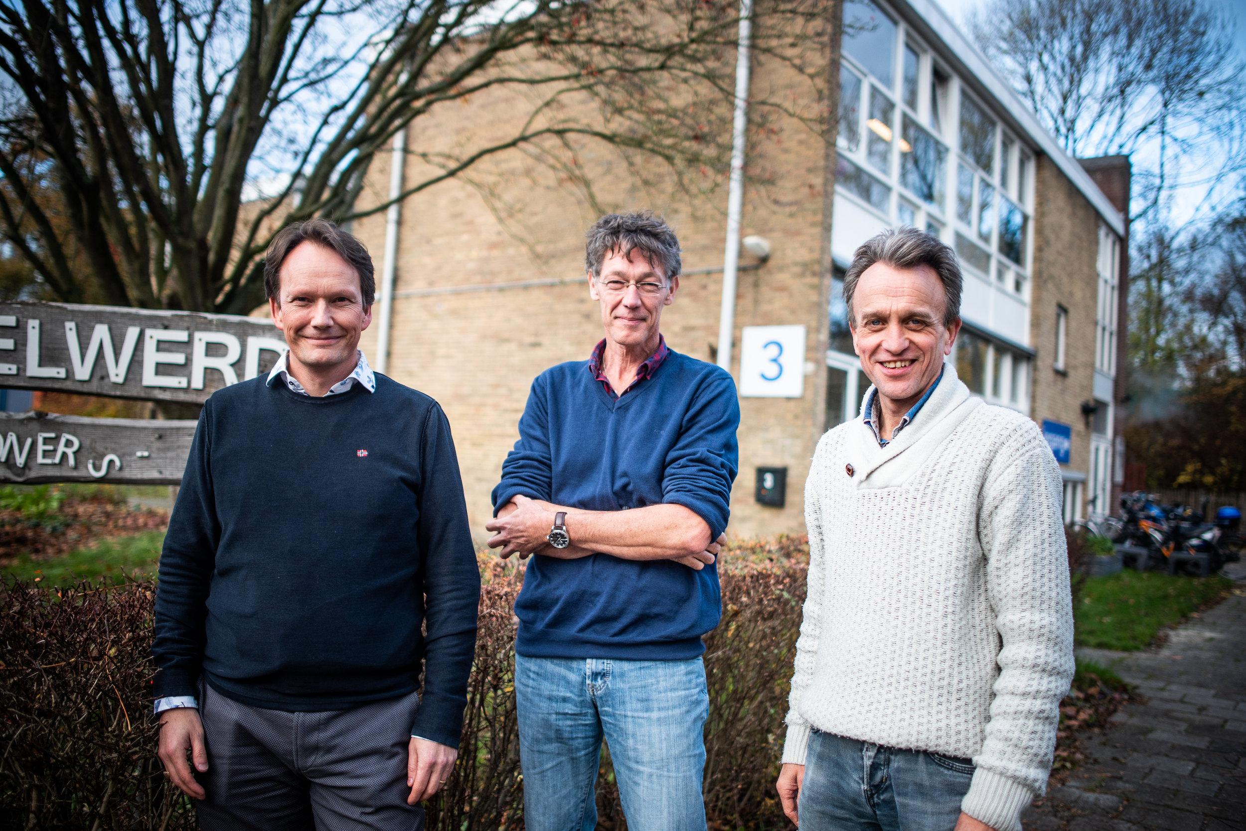 Harald Schneider (psychiater en systeemtherapeut), Erik Deggeller (SPV) en Gerard Lohuis (SPV) van BuurtzorgT-team Groningen Noord-West