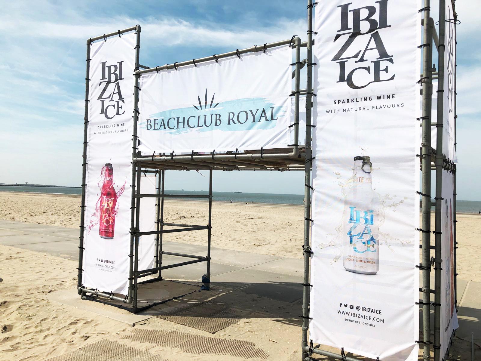 Verschillende banners voor Ibiza Ice.