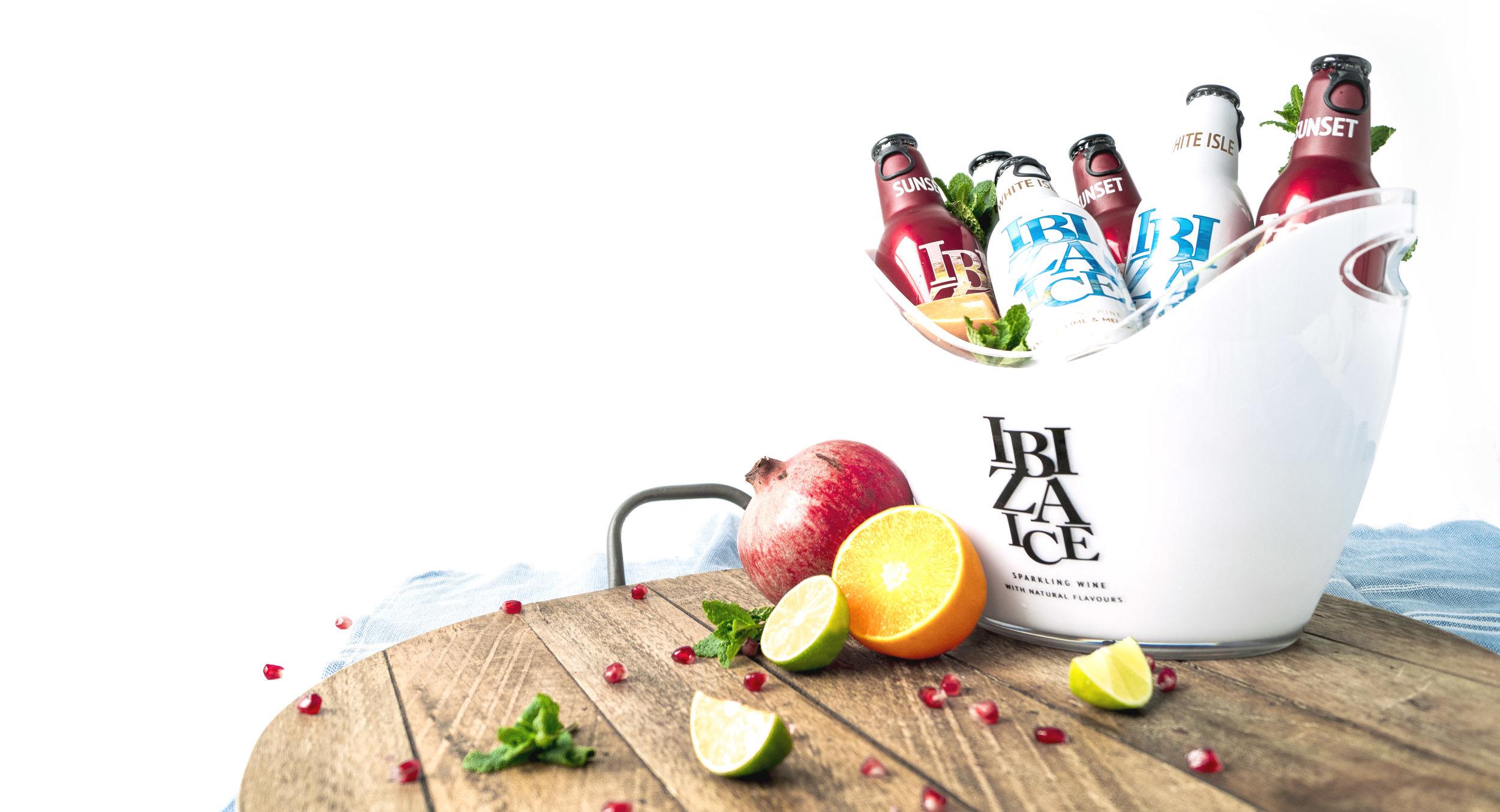 Sfeerbeeld voor Ibiza Ice. Een frisse uitstraling die ook refereert naar de verschillende exotische smaken.