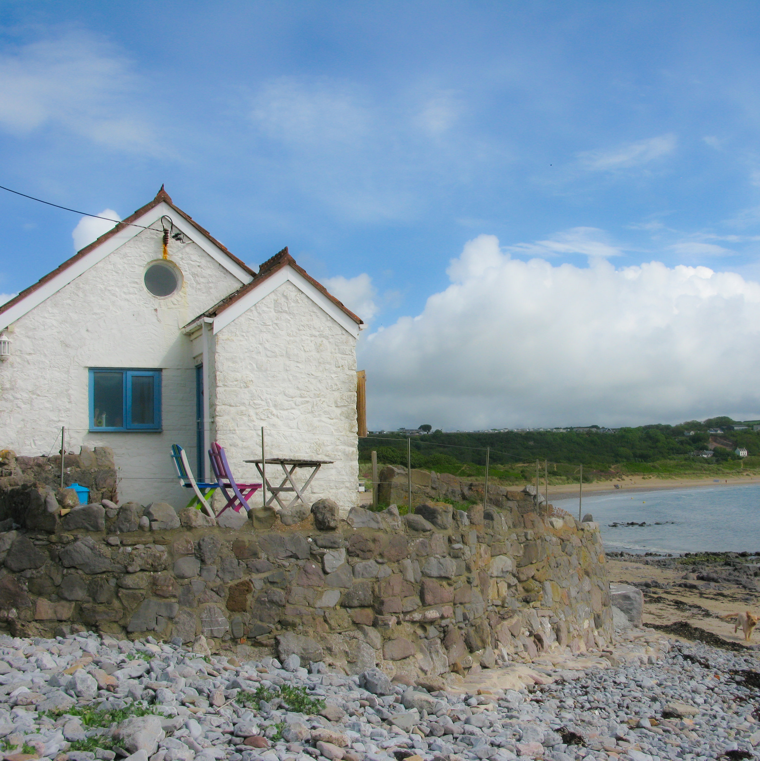 Port_Eynon_beach_cottage.jpg