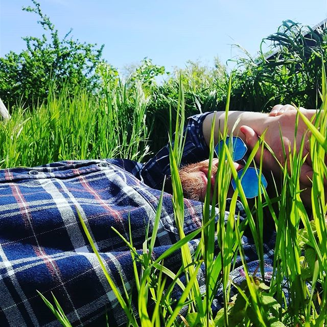 WARNING: Wild, Utahn, Lumberjack-looking poets in the long grass are closer than they appear. 🌾🦗 - - Utahn is a funny word. - - (Do they call underground Utah trains the U-Tahn?) - - #berlin #germany #utahn #utah #lumberjack #wild #420 #poet #grass #poeticalspaces