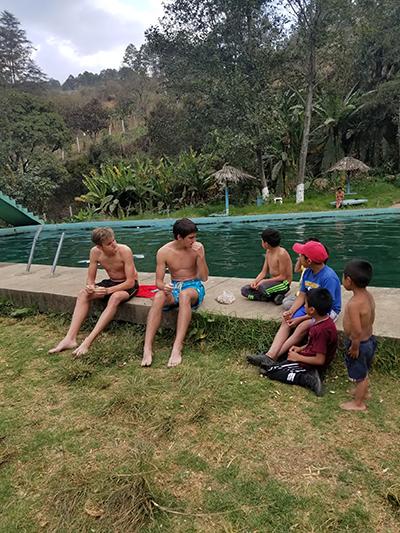 John's students with Guatemalan kids.jpg