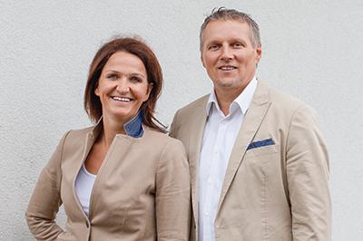 ISABELLA UND HELMUT LINHART - – Geschäftsführung