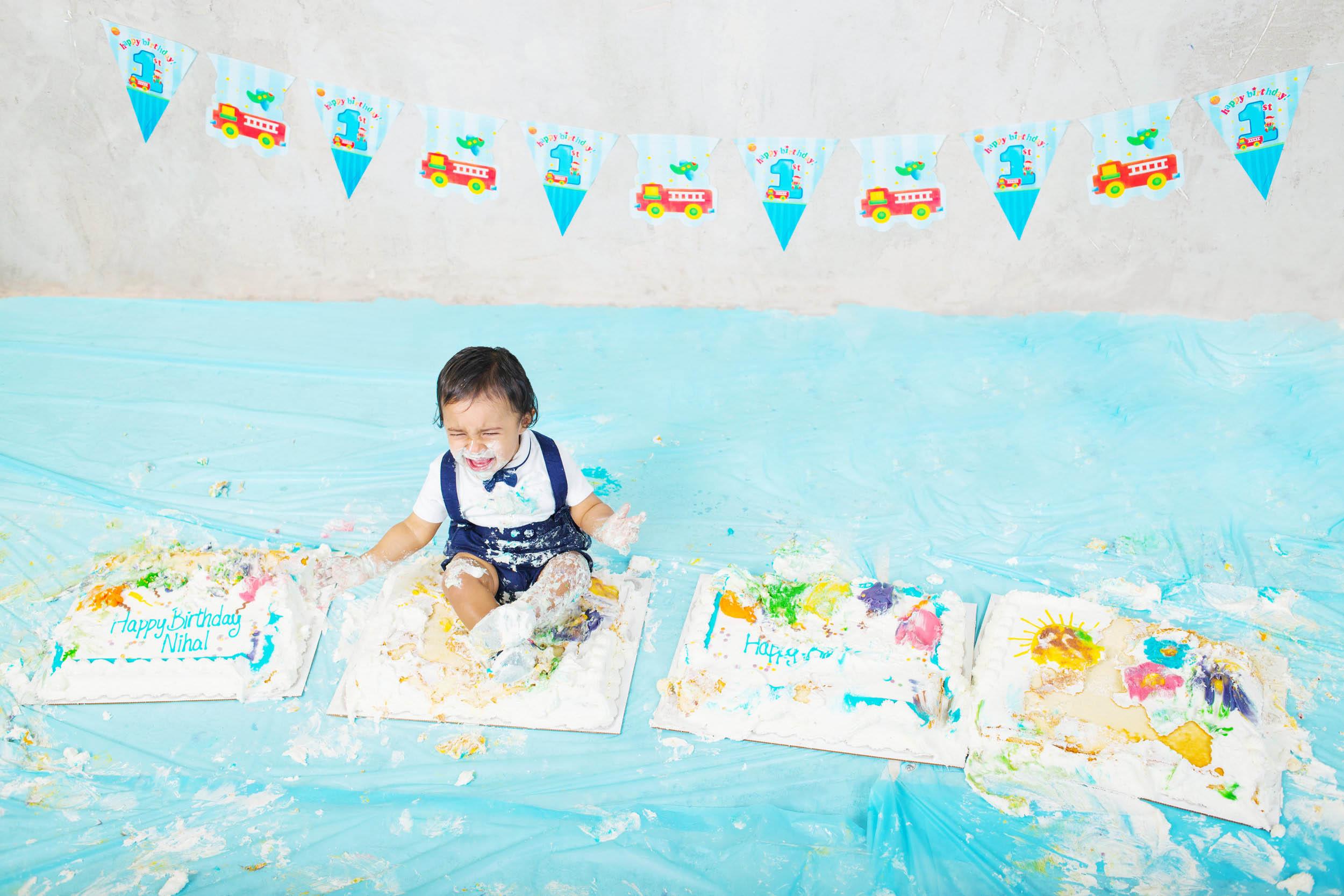 Cake Smash 1st birthday photoshoot Reading 7.jpg