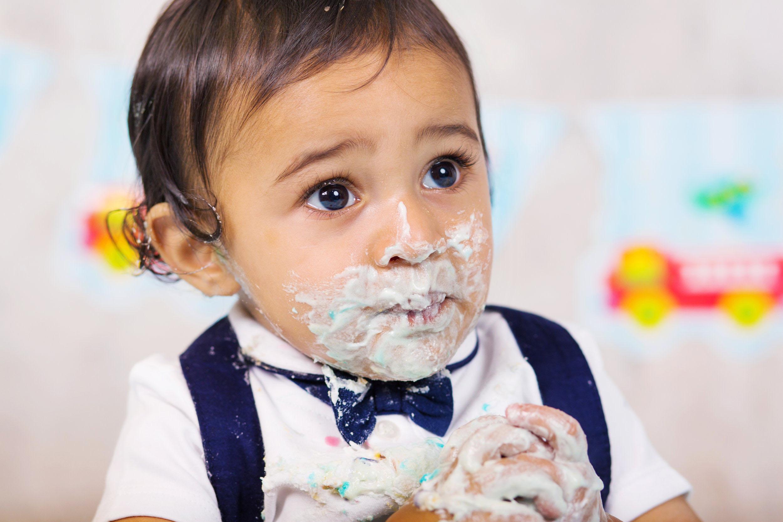 Cake Smash 1st birthday photoshoot Reading 8.jpg