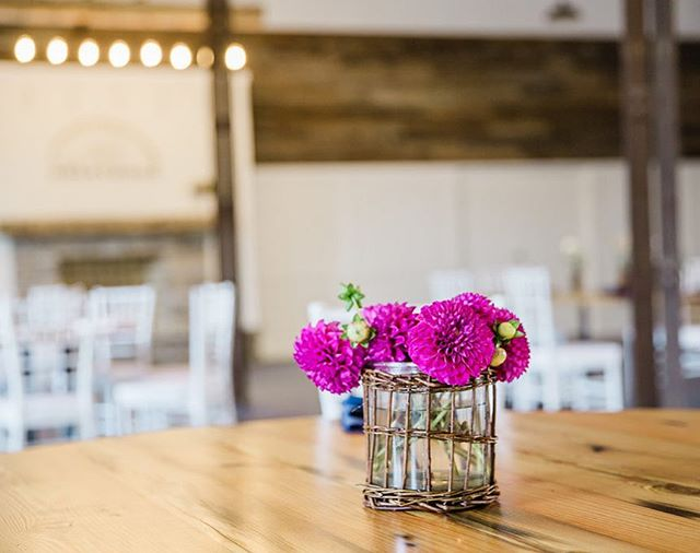 April showers bring May flowers... 💐🌺🥀🌼🌻🌸 ..... aaaaand spring and summer wedding and event season 🧖🏽♀️🕺🏼💃🎉🎊 Come check out the coolest and best value venue downtown Lexington with seating and tables for 100 included and free on site parking! #eventplanning #wedding #kyproud #kyproudweddings #oldworldtimber #visitlex #downtownlexington #concertvenue