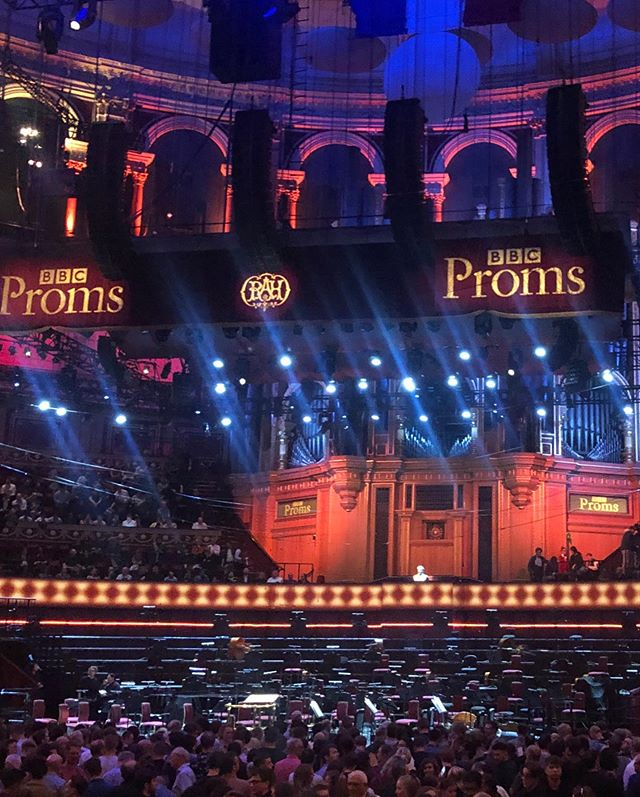 """""""The most inventive and engaging premiere so far at this year's Proms"""" - An incredible reception to the world premiere of Jonny Greenwood's 'Horror vacui' at the @bbc_proms last night, performed by @_bbcnow and the BBC Youth Ensemble with soloist @danielpioro #bbcproms #classicalmusic #jonnygreenwood #radiohead #violinconcerto #musicpublishing #contemporaryclassical #fabermusic"""
