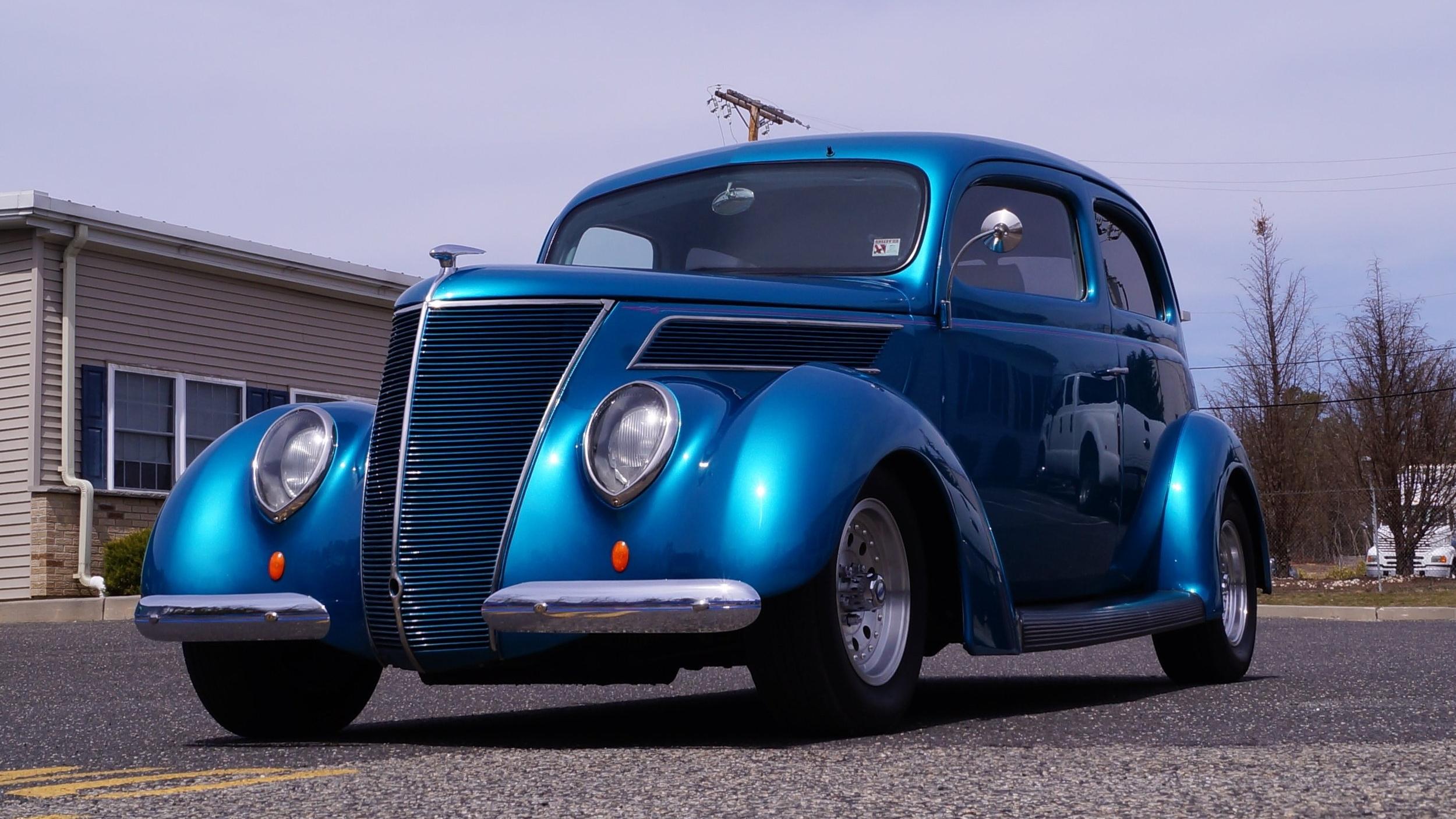 1937 Ford -- LE 162.jpg